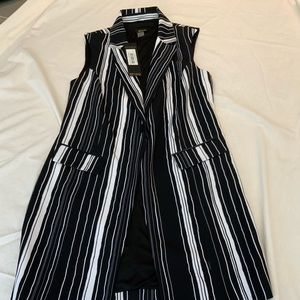 RENAUR SLEEVELESS BLACK WHITE JACKET SZ 4